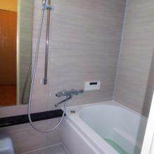 厚木市K様邸 広く新装したマンションリモデルの浴室