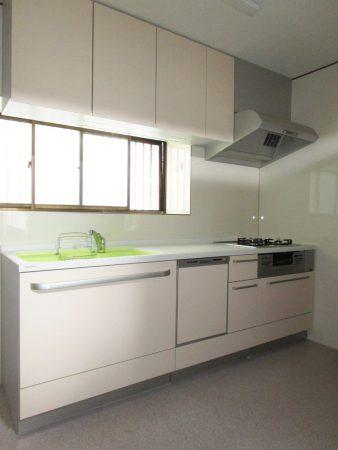 After : トクラスベリー システムキッチン W2400