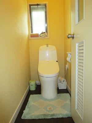 1F トイレ : TOTO GG3-800 ウォシュレット一体型便器